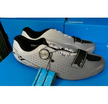 Shimano RC7 Road Shoe full carbon r171
