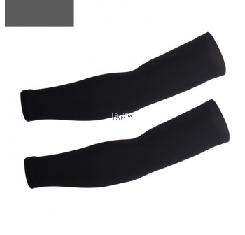 Essential arm warmer black UV protection cycling